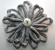we heart this - How To: Make a T-shirt Flower Brooch
