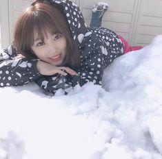 Yabuki Nako 💕🐱🐱🐱 Magazine Japan, Fandom, My Teddy Bear, Gfriend Sowon, Japanese Girl Group, Red Velvet Seulgi, Baby Steps, Fujoshi, The Wiz