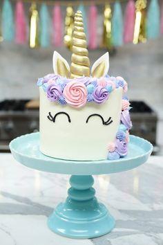 ACD914E4-08CE-45B1-8CE1-0A2F34A9F97D Unicorne Cake, Cupcake Cakes, Cake Smash, Poke Cakes, Diy Cake, Layer Cakes, Cupcake Toppers, Unicorn Birthday Parties, Unicorn Party