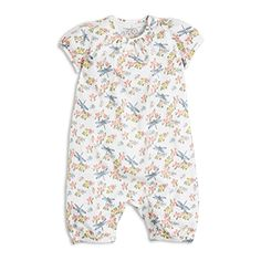 A wonderful flower print with dragon-flies covers this soft and comfy pyjamas that will make your little one cosy at night.