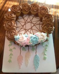 Indian Baby Shower Decoration Ideas New Dream Catcher Baby Shower Cupcake Cake Baby Shower Kuchen, Baby Shower Cupcake Cake, Cupcake Cakes, Cake Baby, Rose Cupcake, Simple Baby Shower Cakes, Cupcake Bedroom, Cupcake Nursery, Baby Shower Cupcakes For Girls