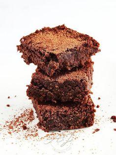 Brownie à l'okara de noisettes et petit épeautre | Petit Bec Gourmand Brownies, Muffins, Gluten Free, Cookies, Healthy, Desserts, Lactose, Food, Zero Waste