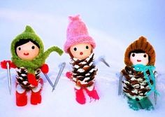 Handmade Christmas crafts from pinecones
