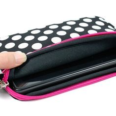 Kroo 7-Inch Polka Dots Shiny Glove Sleeve with Zipper Pocket for Kindle Fire/Nook/Samsung Tab (12278) by Kroo. $16.99. This high quality case is designed to give you complete protection while accessing your tablet. The sleeve/case protects your tablets from all angles yet makes accessing the device a breeze. Tablet slips into the neoprene case and remains securely in place