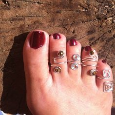 Toe ring set of 4 - perfect gift for her by Unicityjewels on Etsy