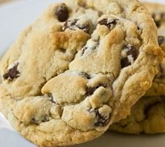 Food Talk Daily Recipes: Chewy, GLUTEN FREE Chocolate Chip Cookies substitute butter for equal parts coconut oil Gluten Free Sweets, Gluten Free Baking, Dairy Free Recipes, Gf Recipes, Cookie Recipes, Dinner Recipes, Gluten Free Chocolate Chip Cookies, Gluten Free Cookies, Chocolate Recipes