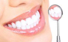 10 trucchi casalinghi per sbiancare i denti e mantenerli brillanti - Ti sveliamo alcuni trucchi casalinghi per sbiancare i denti e per mantenerli brillanti: broccoli, cipolle, carote, salvia e rosmarino.