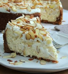 White Chocolate Almond Amaretto Cheesecake ~ This time it isn't a usual cheesecake recipe. It will teach you how to make the best one with the addition of Amaretto liqueur.