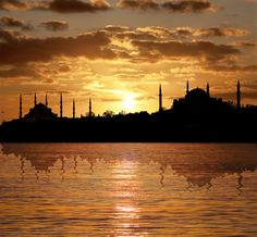 Istanbul zonsondergang http://www.reispot.nl