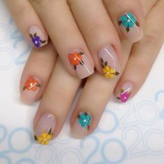 Looking for easy nail art ideas for short nails? Look no further here are are quick and easy nail art ideas for short nails. Flower Nail Designs, Flower Nail Art, Nail Art Designs, Fancy Nails, Pretty Nails, Spring Nails, Summer Nails, Stylish Nails, Nagel Gel