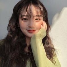 Ulzzang Hair, Ulzzang Korean Girl, Cute Korean Girl, Asian Girl, Curly Asian Hair, Uzzlang Girl, Just Girl Things, Girls Makeup, Best Face Products