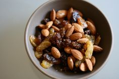 raisins and almonds - both good sources of iron! Good Sources Of Iron, Iron Sources, Healthy Eating Recipes, Healthy Tips, Study Snacks, Healthy Hair Growth, What You Eat, Raisin, Vegetables