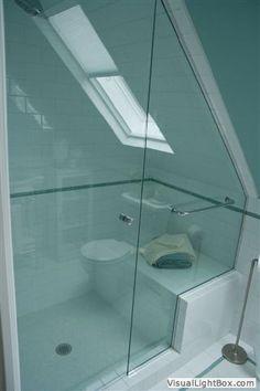 1000 images about badkamer op zolder on pinterest bathroom met and attic bathroom - Tub onder dak ...
