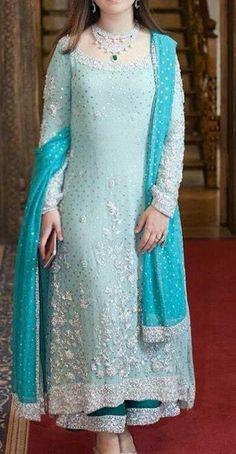 Pakistani Fashion Party Wear, Pakistani Formal Dresses, Pakistani Wedding Outfits, Indian Fashion Dresses, Dress Indian Style, Pakistani Dress Design, Bridal Outfits, Indian Outfits, Indian Wear