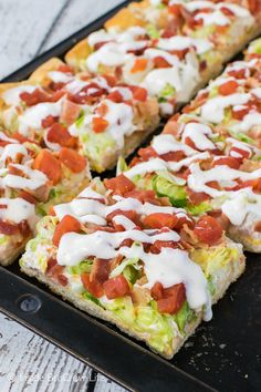 Chicken BLT Ranch Pizza - this cold pizza loaded with all the same flavors of your favorite summer sandwich. Great recipe to bring to summer picnics or dinners!