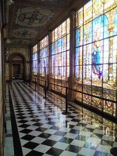 Interiores del Castillo de Chapultepec. La construcción de este magnífico edificio fue ordenada por el virrey Bernardo de Gálvez y Madrid en el siglo XVIII.abrir puertas de castillo de chapultepec uruapan via directa 2016