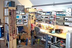 SolderSmoke Daily News: Two Workbenches and a Mini Solder Pot