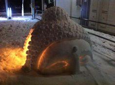 摩美、武蔵美、日芸 雪だるま対決。昨年の雪辱を果たす。多摩美が一歩リード。多 | @Atsuhiko Hori Takahashi (アットトリップ)  (via http://attrip.jp/125101/ )