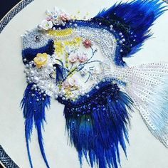 Photos and Videos Couture Embroidery, Ribbon Embroidery, Cross Stitch Embroidery, Embroidery Hoops, Hand Embroidery Designs, Embroidery Patterns, Fibre And Fabric, Sea Crafts, Embroidery On Clothes