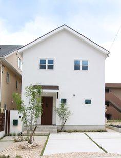 家/外観/エクステリア/切妻屋根/白い家/塗り壁/ナチュラルスタイル/シンプル/注文住宅/ジャストの家/house/home/exterior