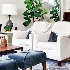 Ask Maria: Which Colours Don't Work with Honey Oak Trim - Maria Killam - The True Colour Expert Diy Living Room Decor, Family Room Decorating, Living Room Designs, Home Decor, Honey Oak Trim, White Family Rooms, Living Area, Living Rooms, Elegant Living Room