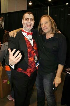 Count Gregula meets Greg Nicotero from THE WALKING DEAD!  Photo credit: Dexter Fabi