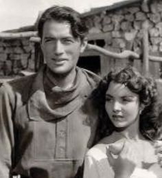 Jennifer Jones a remporté un Oscar en 1943 pour avoir interprété une sainte dans le Chant de Bernadette et a déchaîné les foudres de la censure trois ans plus tard pour avoir dépassé les bornes de l'indécence dans Duel au soleil. Cette apparente contradiction...