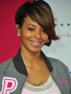 Short and low on one side, asymetrical bob on the opposite side Cute*
