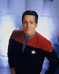 Star Trek's Robert Beltran: The Prime Directive is 'fascist crap' - CNET