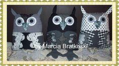 https://flic.kr/p/iinVEE | Corujas P&B | Almofadas corujinhas em preto e branco