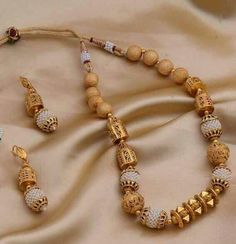 Shopping For Gold Chains For Men Gold Bangles Design, Gold Jewellery Design, Gold Temple Jewellery, Gold Jewelry Simple, Making Ideas, Wedding Jewelry, Beaded Jewelry, Watch Accessories, Rings