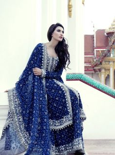 Printed fabric with silver gota work - Pakistani Bridal Dresses 2016 That Will Take Your Breathe Away! Pakistani Couture, Pakistani Bridal Dresses, Pakistani Outfits, Indian Dresses, Indian Outfits, Bridal Lehenga, Look Short, Desi Clothes, Bridal Outfits