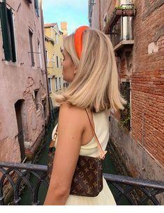 Short blonde hair and orange headband – StepUpLad Ombré Hair, Hair Day, New Hair, Headband Hairstyles, Pretty Hairstyles, 1940s Hairstyles, Female Hairstyles, Hairstyle Short, Hairstyles 2018