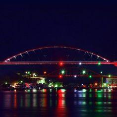 Instagram【akkun53】さんの写真をピンしています。 《第1第2音戸大橋  #TAMRON70-200  #呉市#kure_city #音戸大橋 #写真撮ってる人と繋がりたい  #写真好きな人と繋がりたい  #ファインダー越しの私の世界 #ig_japan #instagram #nippon  #team_jp_#night_arts  #icu_japan  #nightviews #tokyocameraclub  #東京カメラ部 #夜景 #loves_night #night_shots #yakei_luv #lighttrails #橋 #瀬戸_冬の光 #setouchigram33》