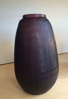 GUAXS Vase in der Farbe amethyst bei BENS München im Store. #GUAXS #BENS #bensstore #shopping #munich