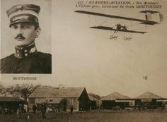 Στις 24 Ιανουαρίου 1913, ελληνικό υδροπλάνο με πλήρωμα τον υπολοχαγό Μιχαήλ Μουτούση και τον σημαιοφόρο Αριστείδη Μωραϊτίνη πραγματοποίησε την πρώτη στον κόσμο αποστολή ναυτικής συνεργασίας, αναγνωρίζοντας τον Τουρκικό Στόλο στα Δαρδανέλια, κατά του οποίου έριξε και έξι βόμβες. Δίκαια, συνεπώς, μπορεί να υποστηριχθεί ότι η Ελλάδα είναι μεταξύ των πρώτων χωρών στον κόσμο που χρησιμοποίησε αεροπλάνο ως πολεμικό μέσο στο πεδίο της μάχης War, History, Movies, Movie Posters, Historia, Films, Film Poster, Cinema, Movie