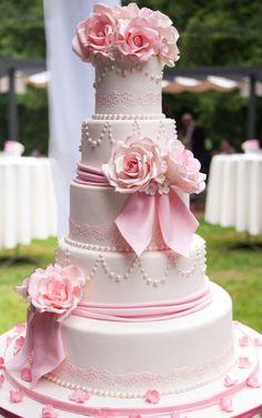 Pink Wedding Cake - Floral Design