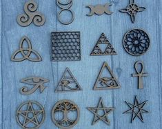 Jewelry Crafts, Jewelry Art, Norse Vikings, White Witch, Triquetra, Geometric Art, Sacred Geometry, Handmade Wooden, Wiccan