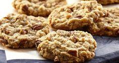 Muchas personas se preguntan como se hacen las galletas de avena para bajar de peso, ya que la avena es un cereal que aporta grandes propiedades para nuestro organismo y ni que hablar que ayuda a perder peso rápidamente. En este artículo os contaremos como hacer galletas de avena para adelgazar. Dentro de los nutrientes ...