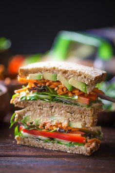 Power Veggie Sandwich - A colorful and power packed sandwich with a generous smear of roasted garlic hummus, and a pile of avocado, cucumber, red pepper, carrots and micro greens. Pastas Recipes, Lunch Recipes, Healthy Dinner Recipes, Diet Recipes, Vegan Recipes, Sandwich Recipes, Turkey Recipes, Bread Recipes, Icing Recipes