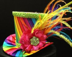 Rainbow Mini Top Hat for Dress Up, Birthday, Tea Party or Photo Prop - Hats: Top hat - Hut Mode Steampunk, Steampunk Hat, Steampunk Fashion, Steampunk Necklace, Steampunk Clothing, Mad Hatter Hats, Mad Hatter Tea, Hat Day, Crazy Hats