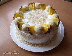 Nu stiu daca ati auzit vreodata de tort spirala sau daca ati gustat vreodata dintr-unul, dar acum nu mai aveti cum sa il ocoliti :DAcest tort spirala cu ananasefoarte usor de realizat, in ciu...