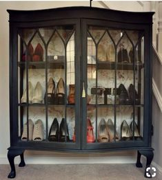 8 Shoe Cabinet Suggestions: Exactly How to Arrange Shoes in a Tiny Space - Our B. - 8 Shoe Cabinet Suggestions: Exactly How to Arrange Shoes in a Tiny Space – Our Bright Side - Refurbished Furniture, Repurposed Furniture, Furniture Makeover, Painted Furniture, Shoe Storage Display, Craft Storage, Hutch Display, Paper Storage, Storage Ideas