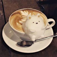 How to make Latte Art: The Basics in Slow Motion - Coffee Brilliant Coffee Latte Art, Coffee Cafe, Coffee Shop, Coffee Mugs, Bento Kawaii, Kawaii Dessert, Cappuccino Machine, Cute Desserts, Kawaii Shop