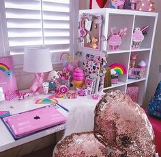 I would have died for this as a kid. Child's room pink rainbows Unicorn Rooms, Unicorn Room Decor, Unicorn Bedroom, Girl Room, Girls Room Desk, Girl Desk, My Room, Bedroom Desk, Girls Bedroom