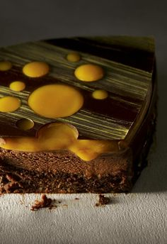 """Sacher """"Le chocolat qui me fait craquer"""" Christophe Michalak. Editions Plon"""