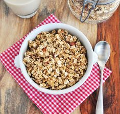 10 Healthy Granola Recipes that will keep breakfast from ever getting boring. Ditch boxed cereal for good. Super easy recipes. #vegan #glutenfree #granola