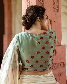 Blouse Back Neck Designs, Simple Blouse Designs, Stylish Blouse Design, Fancy Blouse Designs, Bridal Blouse Designs, Traditional Blouse Designs, Bunt, Making Ideas, Nature Inspired