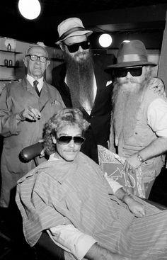 American rock group ZZ Top at a barbers in Birmingham, August Bearded Tattooed Men, Bearded Men, Native American History, Native American Indians, Frank Beard, Barber Man, Billy Gibbons, Future Days, Zz Top
