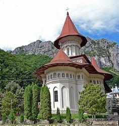 Manastirea Râmet. Romania. Visit Romania, Old Mansions, Macedonia, Albania, Eastern Europe, Lodges, The Good Place, Tourism, Beautiful Places